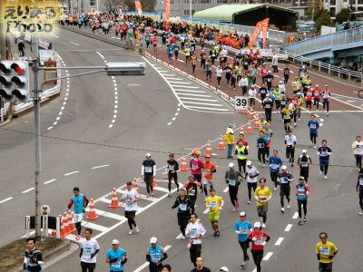 東京マラソン2012、東雲橋にて