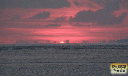 水平線から昇った朝陽