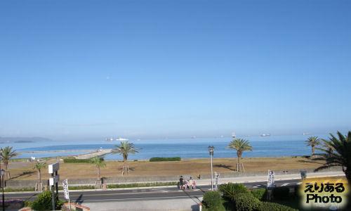 朝・館山シーサイドホテル から見た海