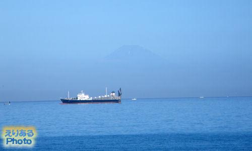 朝・館山シーサイドホテル から見た富士山